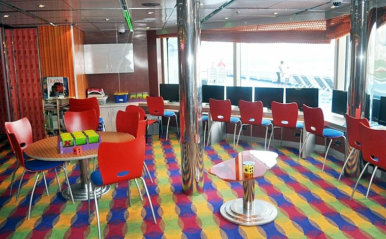 Photo of Circle C room on Carnival Splendor goes here.*