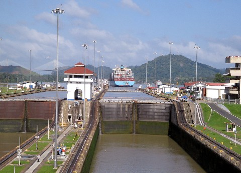 Photo of the lock chamber at Miraflores goes here.